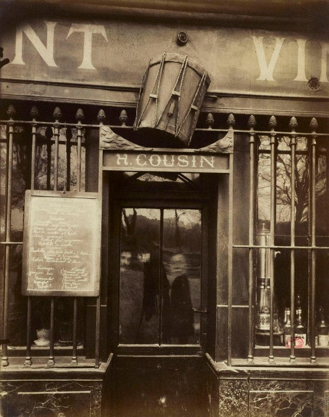 Eugène Atget. 'Cabaret au Tambour, 62 quai de la Tournelle, 5th arrodissement' 1908