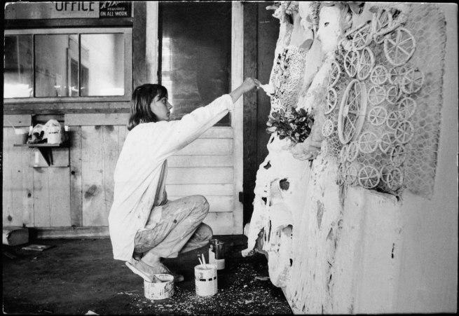 Dennis Hopper. 'Niki de Saint Phalle (kneeling)' 1963