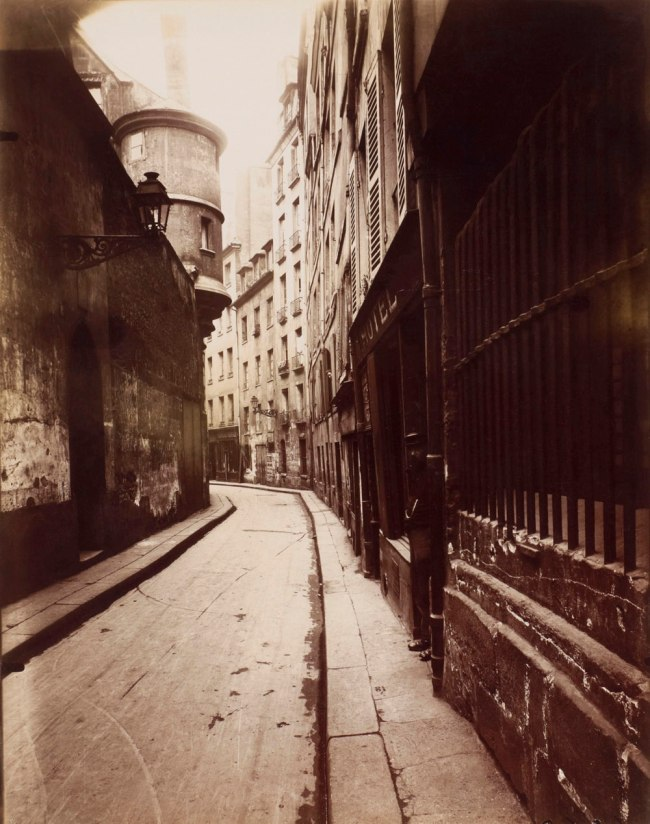 Eugène Atget. 'Rue de l'Hôtel de Ville' 1921