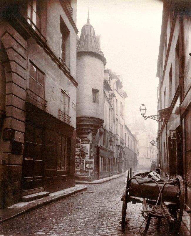Eugène Atget. 'Rue Hautefeuille, 6th arrondissement' 1898