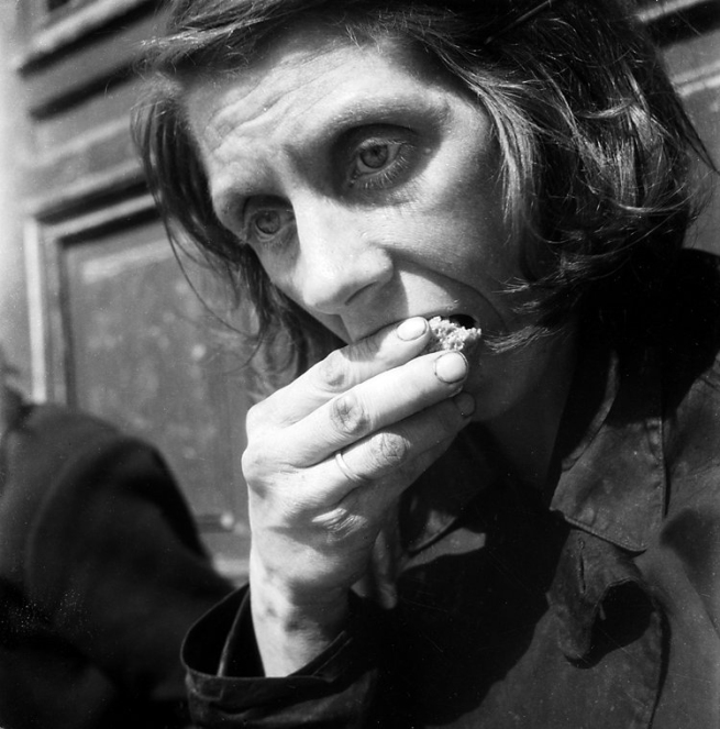 Cas Oorthuys. 'Portrait of starving woman in the hunger winter, Amsterdam' 1944-1945
