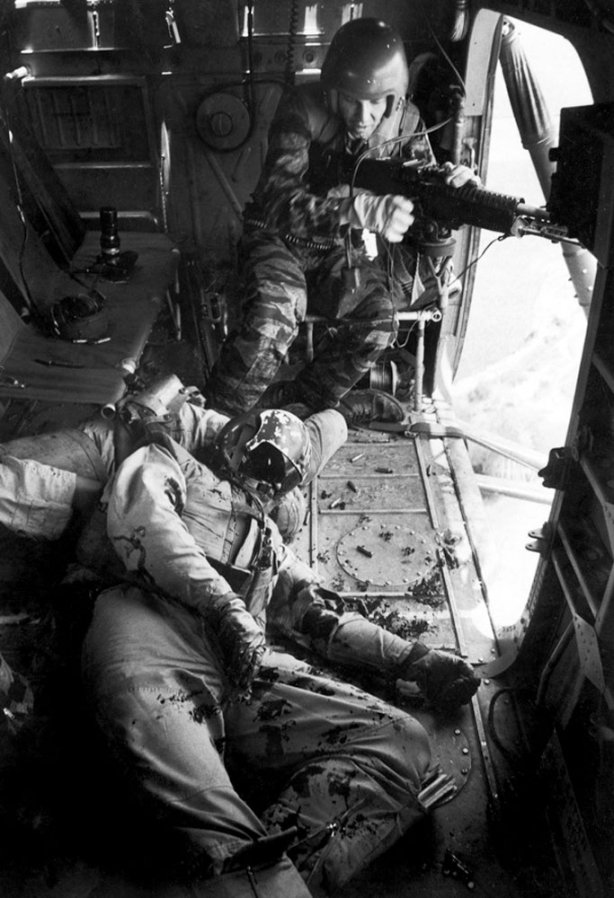Larry Burrows. 'One Ride with Yankee Papa 13' 1965
