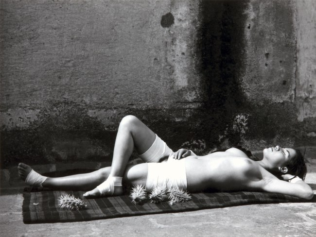 Manuel Álvarez Bravo. 'The Good Reputation Sleeping (La buena fama durmiendo / La Bonne Renommée endormie)' 1938