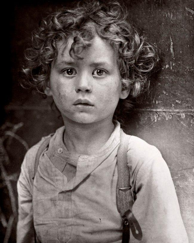 Lewis Hine. 'Paris Gamin' 1918