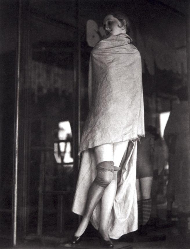 Manuel Álvarez Bravo. 'Maniquí tapado (Mannequin couvert)' 1931