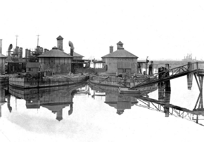 Anon. ''Montauk' at left, and 'Lehigh' at right, laid up at the Philadelphia Navy Yard, Pennsylvania' c. late 1902 or early 1903