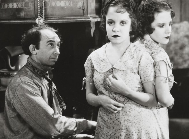 Tod Browning (director) 'Freaks (with Siamese Twins Daisy and Violet Hilton)' 1932