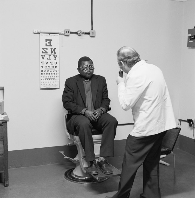 David Goldblatt. 'Eyesight testing at the Vosloorus Eye Clinic of the Boksburg Lions Club' 1980