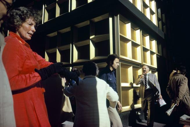 Joel Meyerowitz. 'Madison Avenue, New York City 1975