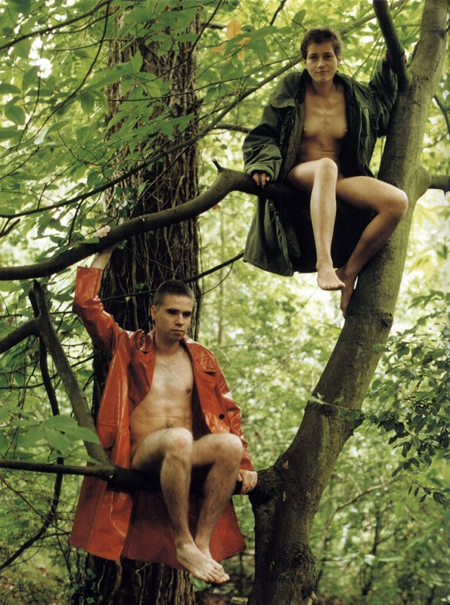 Wolfgang Tillmans. 'Lutz & Alex sitting in the trees' 1992