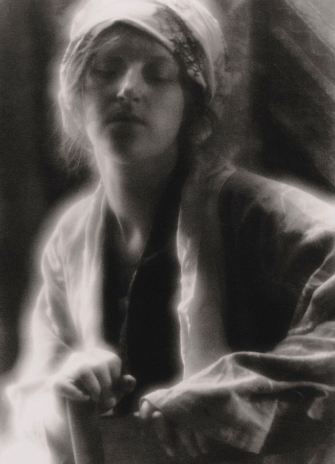 Imogen Cunningham. 'The dream' 1910
