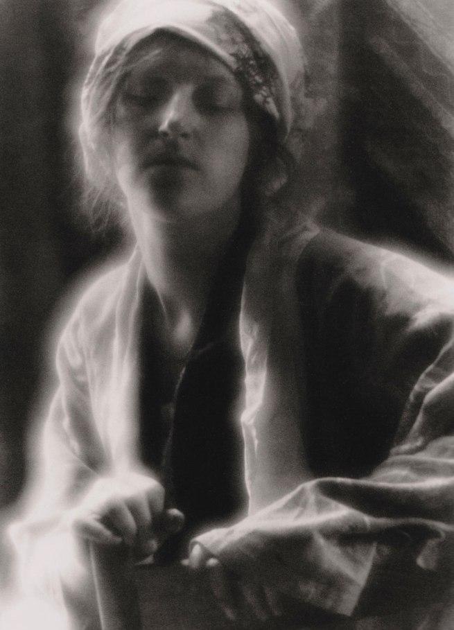 Imogen Cunningham. 'The dream' 1910