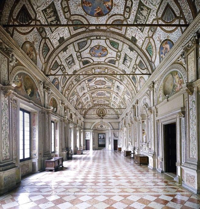 Candida Höfer. 'Palazzo Ducale Mantova IV' 2011