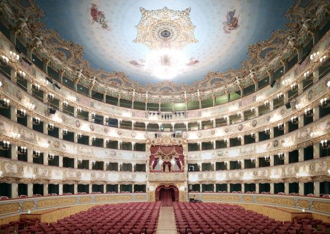 Candida-Höfer-Teatro-La-Fenice-Di-Venezia-V-2011-WEB