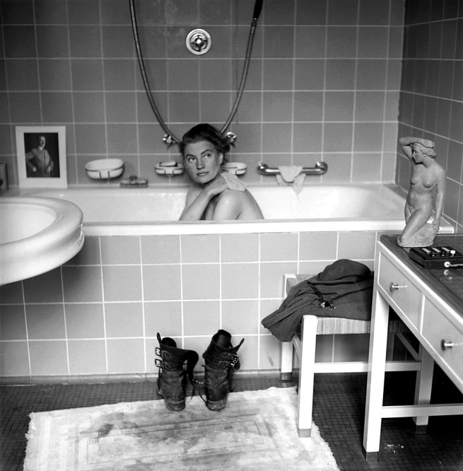 David E. Scherman. 'Lee Miller in Hitler's bath, Hitler's apartment, Munich, Germany 1945' 1945
