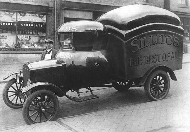 American delivery van 1910s-20s?