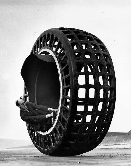 Dr John Archibald Purves. 'Dynosphere' 1932