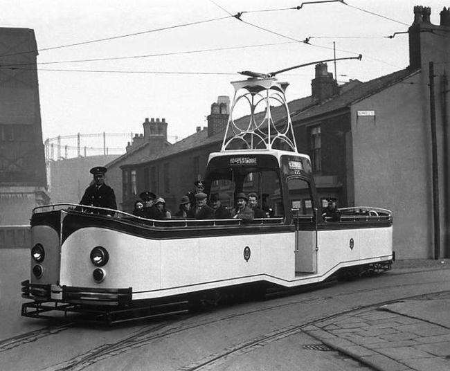 English open-air tram c. 1930s-40s?