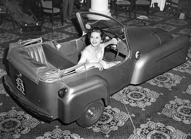 Bond Minicar 3-Wheeler. In production 1948-1965 English
