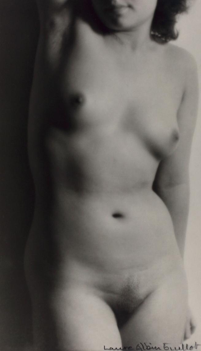 Laure Albin Guillot. 'Étude de nu' 1935