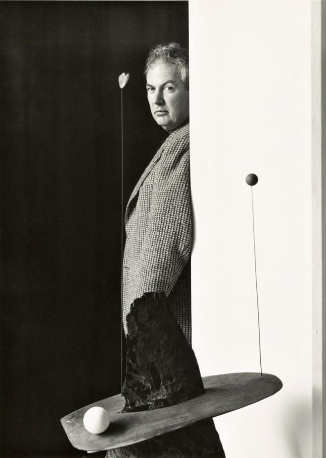 Arnold Newman. 'Alexander Calder, sculptor, New York' 1943
