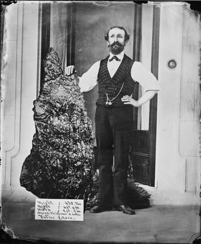 American & Australasian Photographic Company. 'B.O. Holtermann with the Holtermann Nugget, North Sydney' 1874-1876?