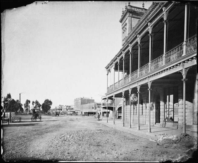 Charles Bayliss [American & Australasian Photographic Company]. 'Pall Mall, Bendigo' 1874