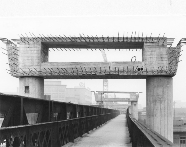 Anonymous photographer.