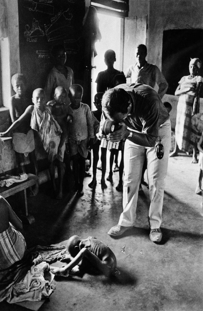 Gilles Caron. 'Filmmaker and photographer Raymond Depardon, during the Civil War in Biafra, Nigéria, August 1968' 1968