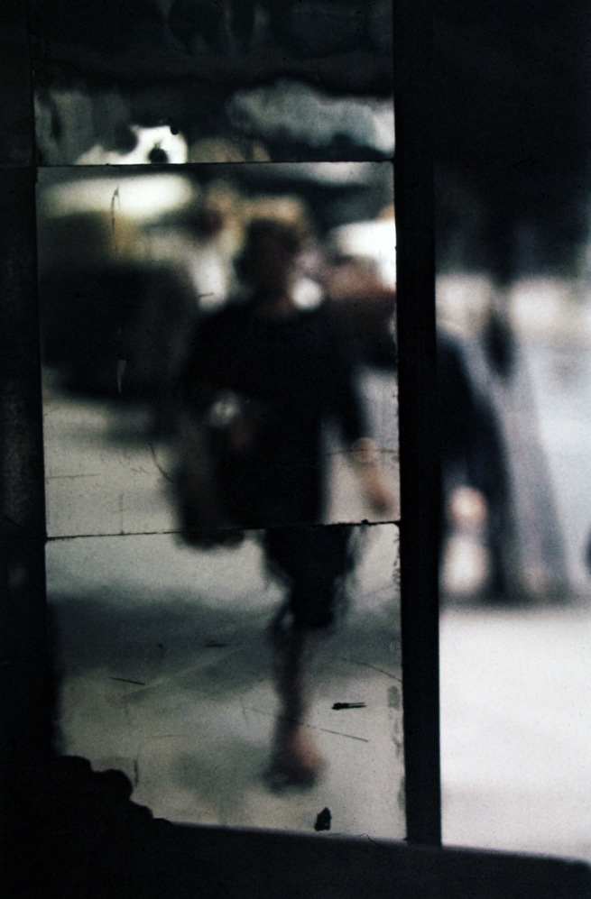 Saul Leiter. 'Shopping' c. 1953
