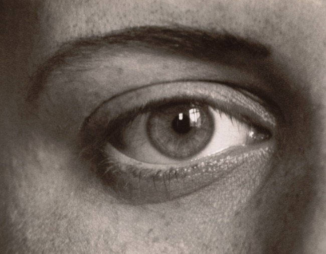 August Sander. 'Das rechte Auge meiner Tochter Sigrid (The Right Eye of My Daughter Sigrid)' 1928