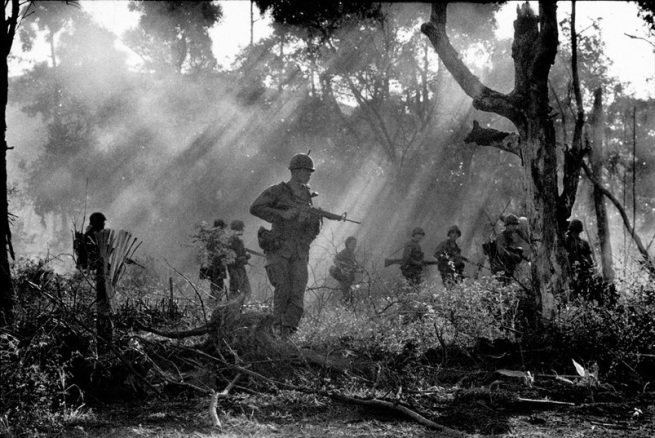 Gilles Caron. 'American Patrol during the Vietnam War 1967' 1967