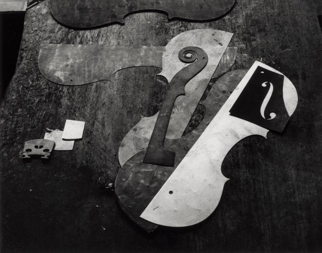 Arnold Newman. 'Violin shop : patterns on table, Philadelphia, Pennsylvania' 1941