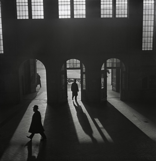 Roman Vishniac. 'Untitled [Interior of the Anhalter Bahnhof, a railway terminus near Potsdamer Platz, Berlin]' late 1920s - early 1930s