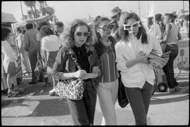 Garry Winogrand. 'Venice Beach, Los Angeles' 1980-83