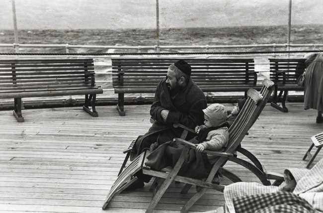 Louis Stettner. 'Coming to America' c. 1951