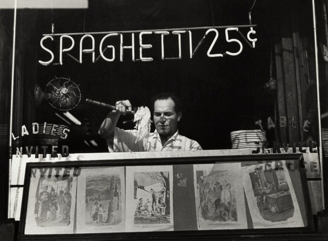 Ida Wyman (born 1926, Malden, Massachusetts) 'Spaghetti 25 Cents, New York' 1945