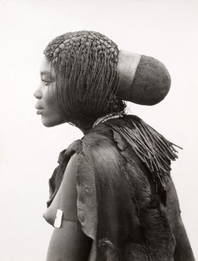 A.M. Duggan-Cronin. 'Ovambo (Ogandjera) Woman' 1936