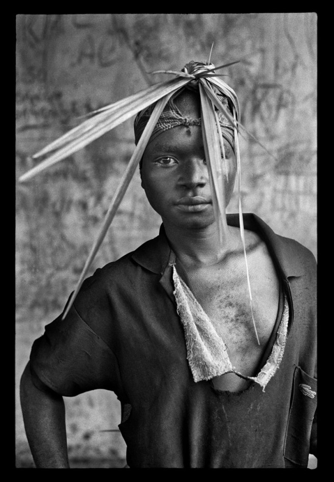 Guy Tillim. 'Mai Mai militia in training near Beni, eastern DRC, for immediate deployment with the APC (Armée Populaire du Congo), the army of the RCD-KIS-ML - Portraits I and II' December 2002
