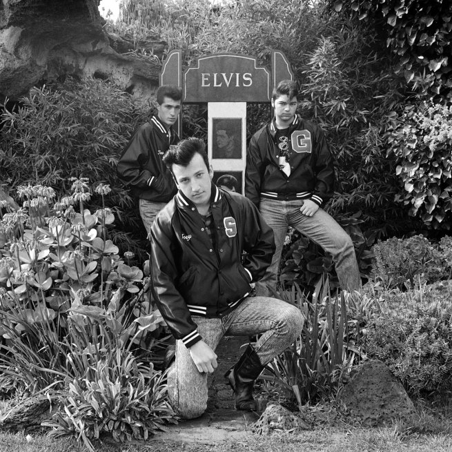 Three-young-men-paying-homage-to-Elvis-on-the-13th-anniversary-of-Elvis'-death,-Elvis-Memorial,-Melbourne,-1990-WEB