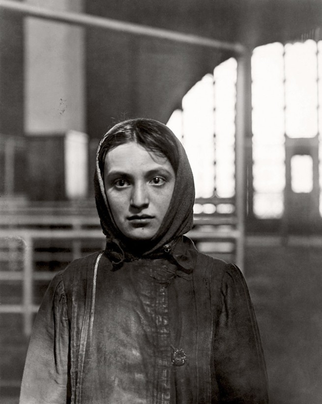 Lewis Hine. 'Jewess at Ellis Island' 1905