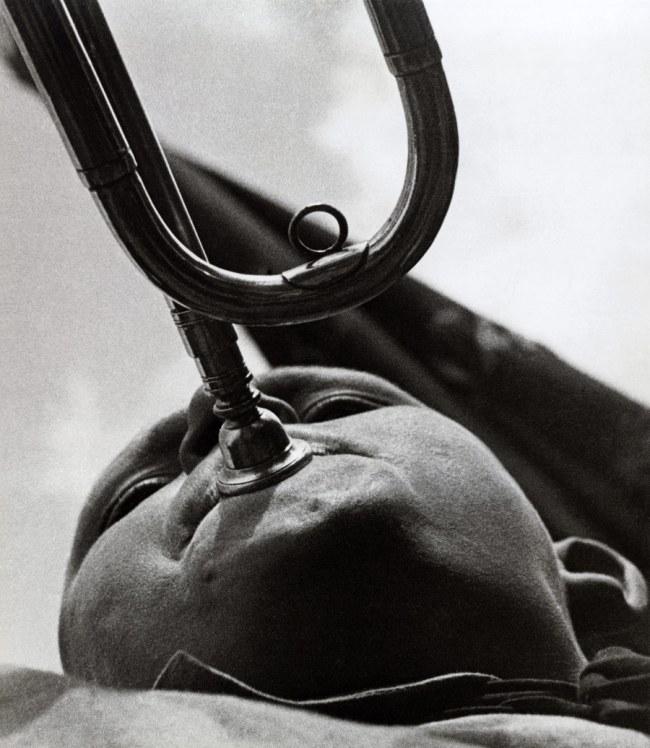 Alexander Rodchenko. 'Trumpeting pioneer' 1930