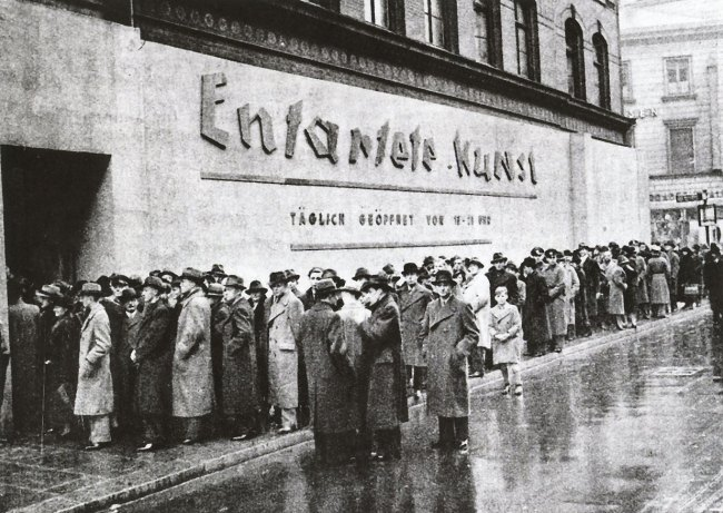 Anonymous photographer. 'Crowds lined up to visit Entartete Kunst (Degenerate Art), Schulausstellungsgebaude, Hamburg' November - December 1938