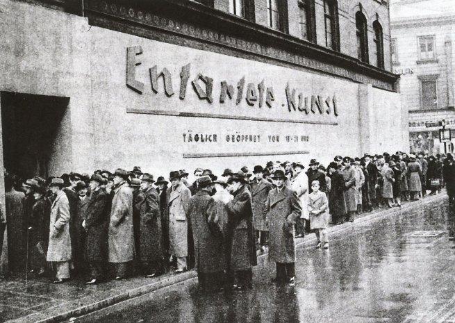 Anonymous photographer. 'Crowds lined up to visit Entartete Kunst (Degenerate Art), Schulausstellungsgebaude, Hamburg' November - December 1938
