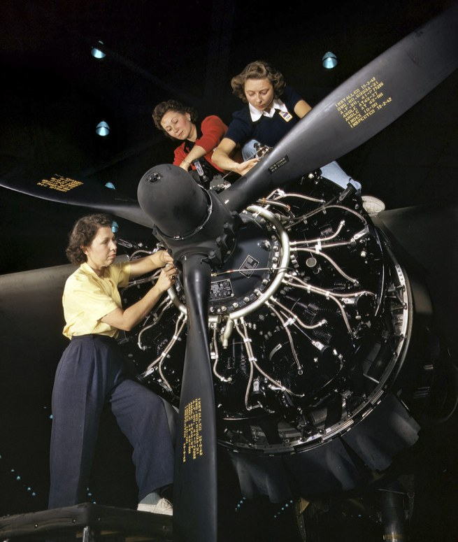 Alfred Palmer. 'Engine installers at Douglas Aircraft in Long Beach, California' October 1942