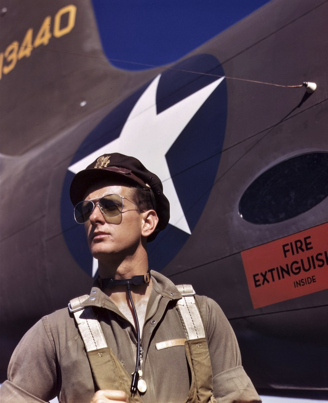 Alfred Palmer. 'Lieutenant 'Mike' Hunter, Army test pilot assigned to Douglas Aircraft Company, Long Beach, California' October 1942