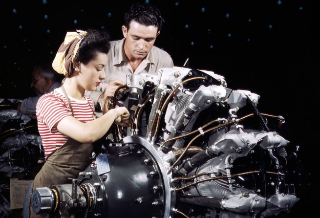 Alfred Palmer. 'Women are trained as engine mechanics in thorough Douglas training methods, at the Douglas Aircraft Company in Long Beach, California, in October of 1942' October 1942