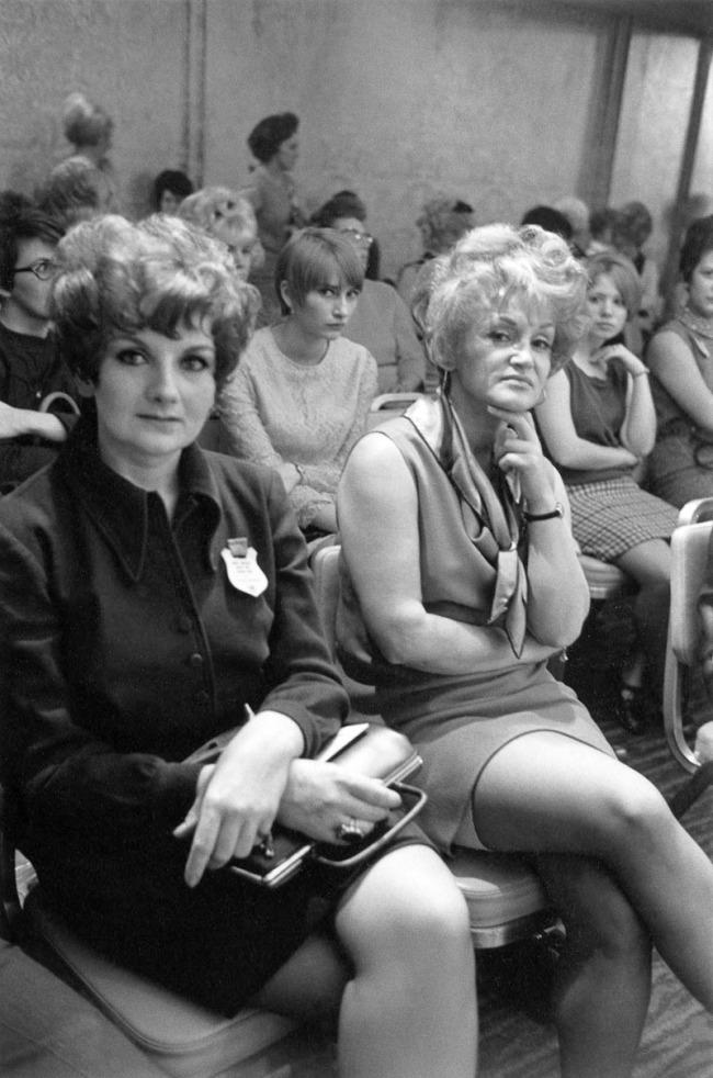 Enrico Natali. 'Sales meeting in an auditorium, Detroit, 1968' 1968