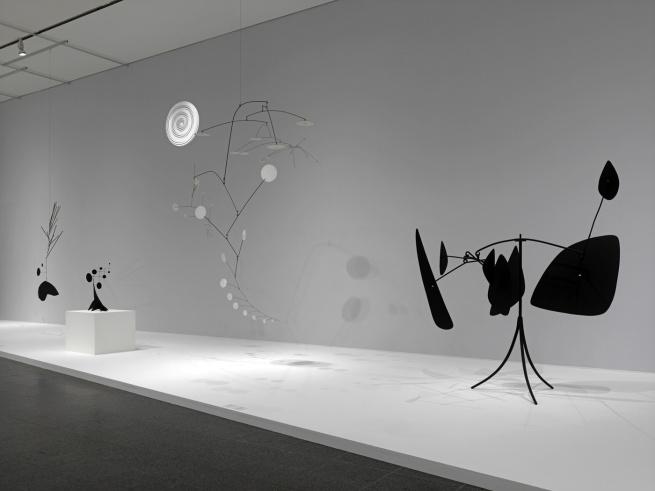 'Alexander Calder: Avant-Garde in Motion' Installation photographs