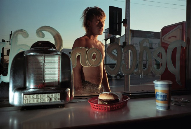 Philip-Lorca diCorcia. 'Eddie Anderson, 21 years old, Houston, Texas, $ 20' 1990-92